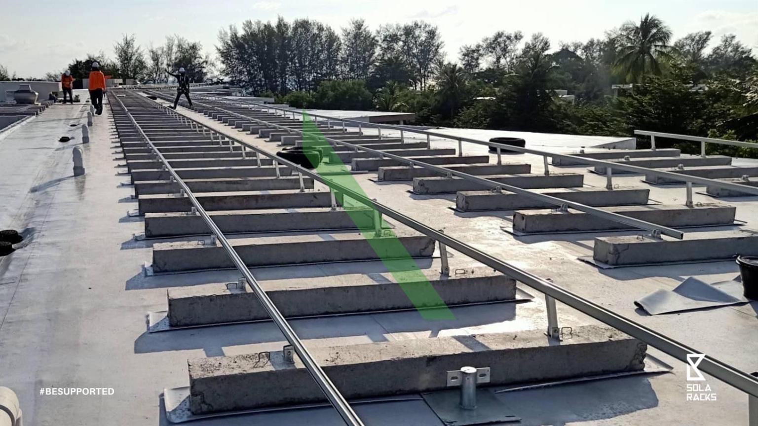 Adjustable tilt flat roof mount, adjustable angle flat roof mounting system, adjustable flat roof racking, flat roof mounting system, telescopic leg mounting system, Solaracks Telescopic mounting system
